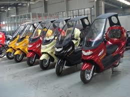 Covered Scooters not Available in Canada - www.scooterunderground.ca